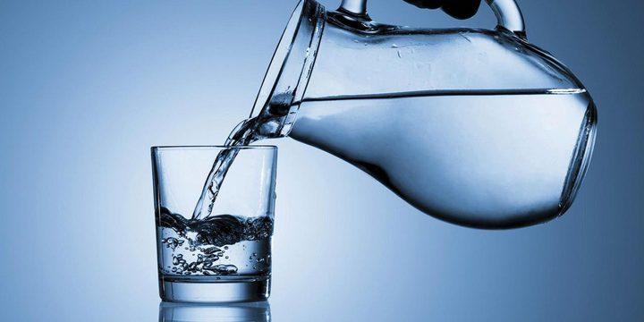 ما هي كمية الماء المثالية التي عليك شربها يوميا؟
