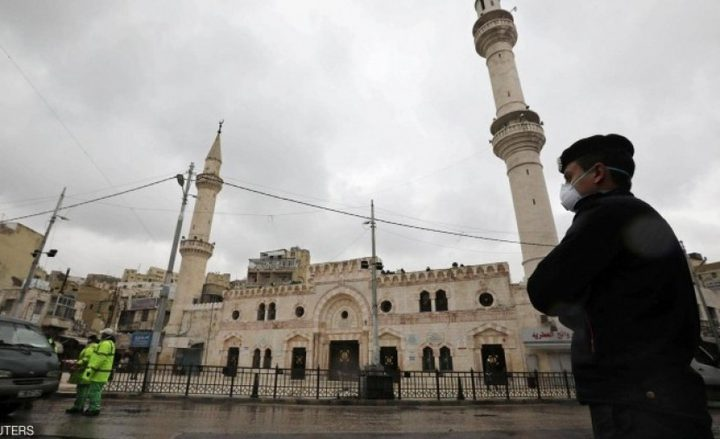 الأوقاف: إغلاق مساجد قريتي كوبر وعارورة لـ 3 أيام