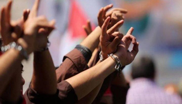 ثلاثة أسرى يواصلون اضرابهم عن الطعام احتجاجا على اعتقالهم الإداري