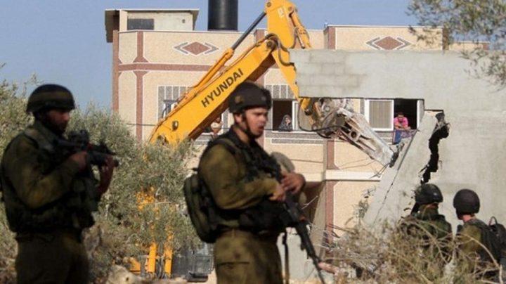"""بيت لحم: الاحتلال يواصل تجريف أراضٍ وينصب """"كرافانات"""" في كيسان"""