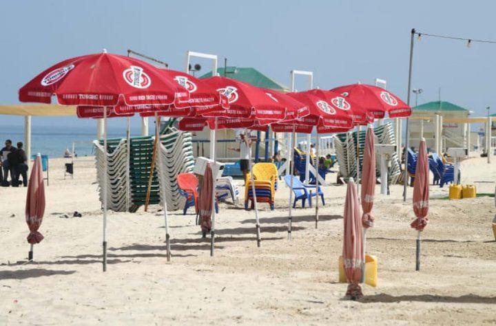الكنيست الإسرائيلي يوافق على اعادة فتح المسابح والشواطئ