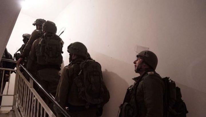 الاحتلال يعتقل شابا ويستولي على قطعة أثرية في بيت لحم