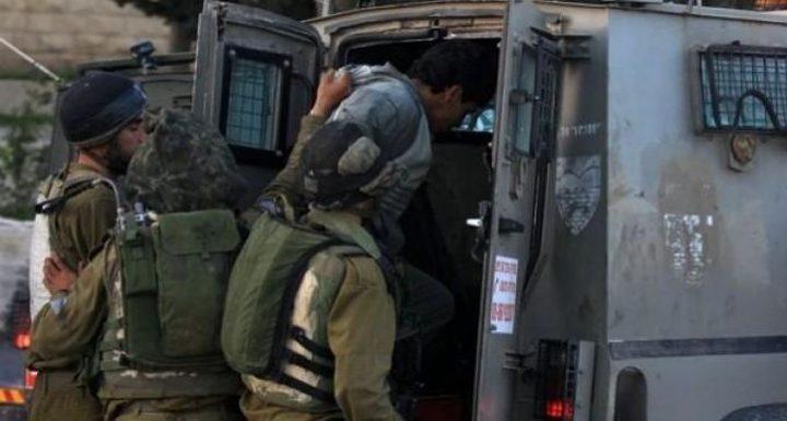 اعتقال مواطنين  في بيت لحم واستدعاء آخرين