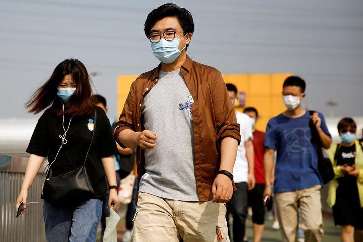 الصين تطلب فحصا يثبت الخلو من كورونا للقادمين جوا