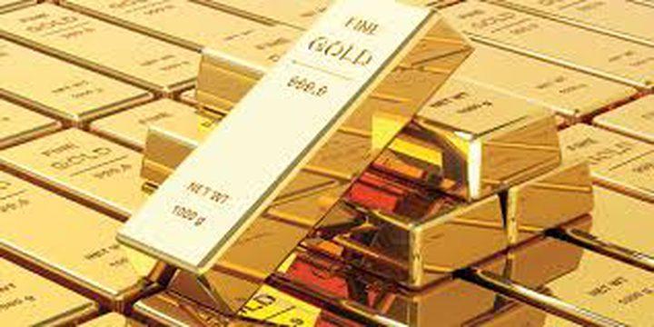 الذهب يرتفع قرب ذروة 9 سنوات