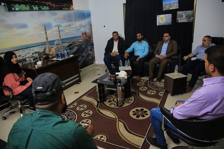 فضائية النجاح بغزة تستقبل وفداً قيادياً من حركة حماس