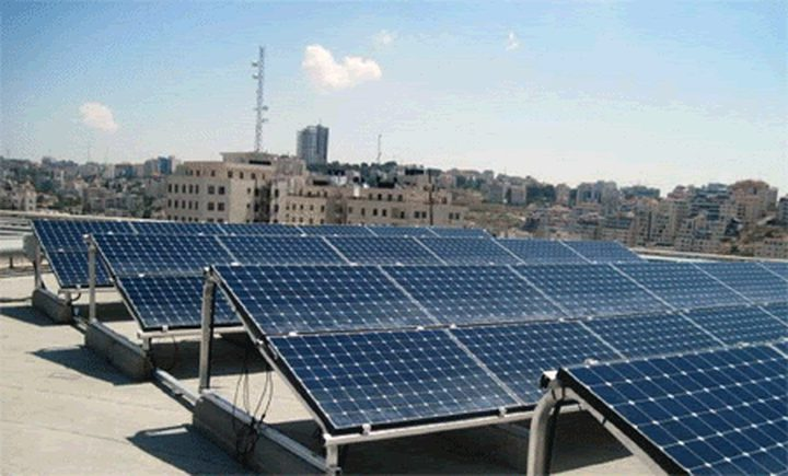 طولكرم: اتفاقيات لإنشاء مشروع محطة طاقة شمسية وتطوير شبكات المياه