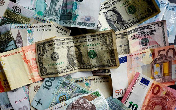 اليورو قرب ذروة اعلى مستوياته
