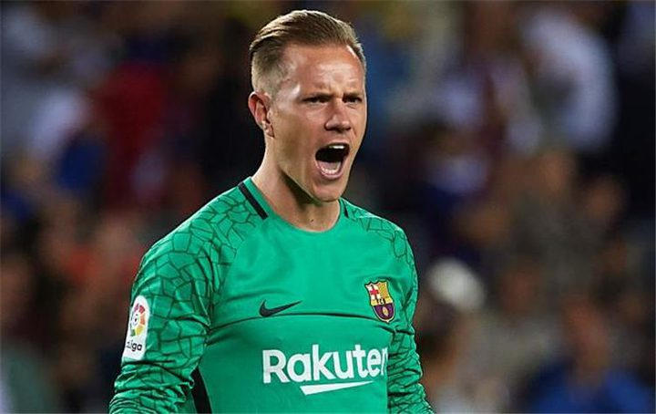 اللاعب الألماني يقبل حل برشلونة للتجديد