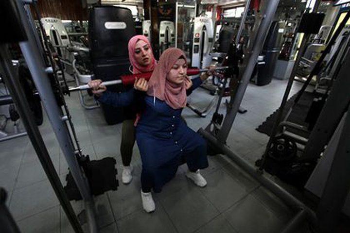 مدربة كمال الأجسام الفلسطينية شيرين العيلة 33 عاما الأولى في قطاع غزة