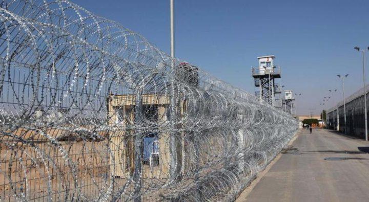 إدارة سجن النقب تبدأ بإجراء فحص كورونا لأسرى قسم 22