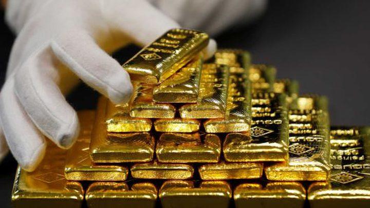 الذهب يقلص مكاسبه بعد صعود قياسي