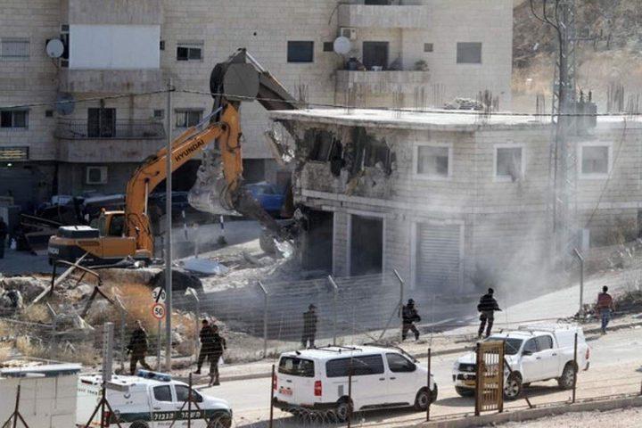 الاحتلال يجرف 14 دونما في العيسوية