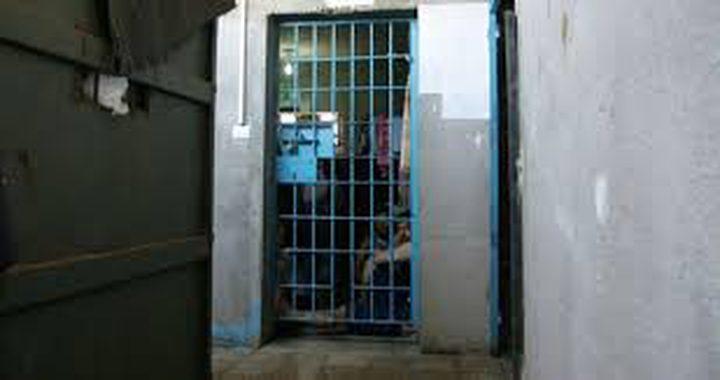 """إدارة سجن """"ريمون"""" تنقل مجموعة من الأسرى إلى الحجر الصحي"""