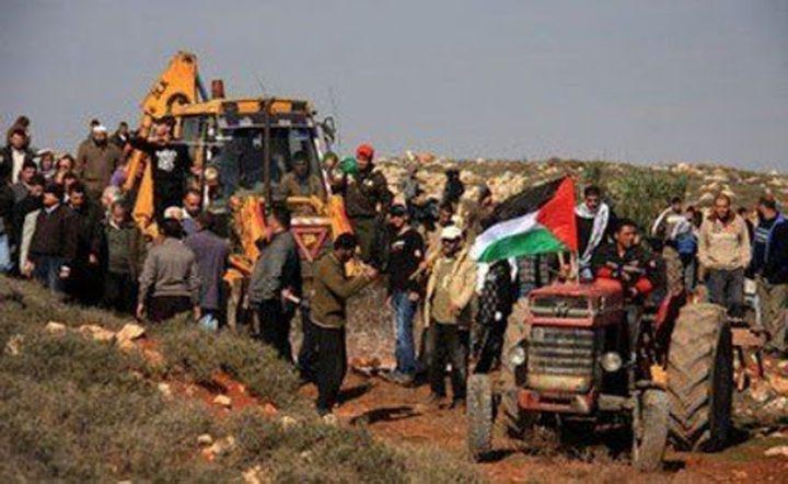 الاحتلال يستولي على جرارين زراعيين شمال أريحا