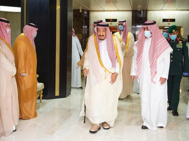 السعودية: الملك سلمان يغادر المستشفى بعد تعافيه من المرض