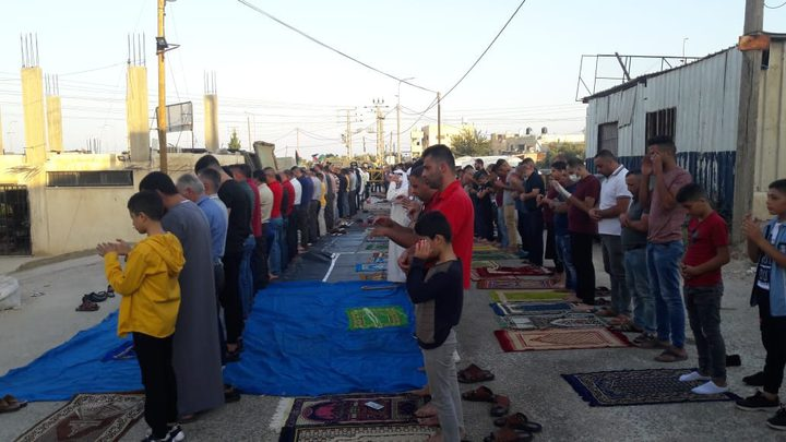 الاحتلال يمنع المواطنيين من اقامة صلاة العيد فوق اراضيهم في حارس