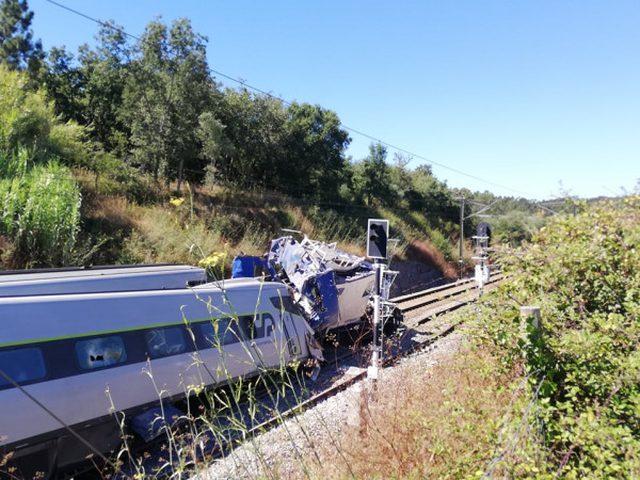 مقتل شخص وإصابة 50 آخرين بحادث قطار سريع في البرتغال