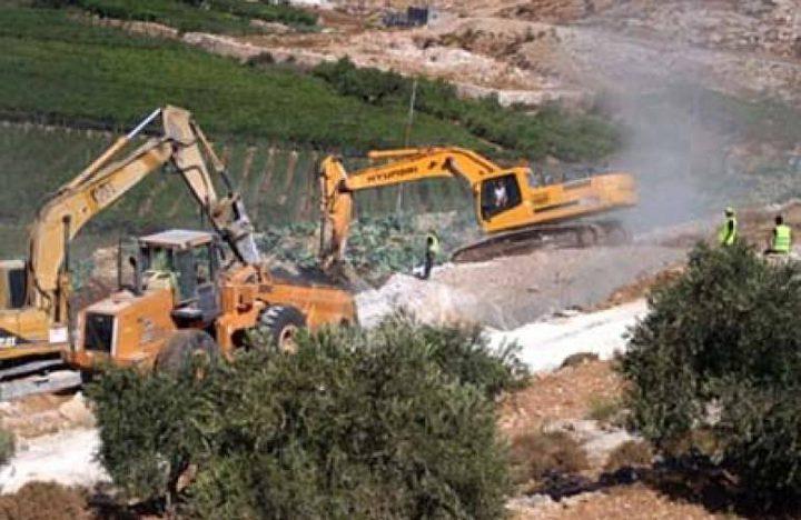 طوباس: قوات الاحتلال تعيق العمل بتمديد خط مياه قرب عاطوف