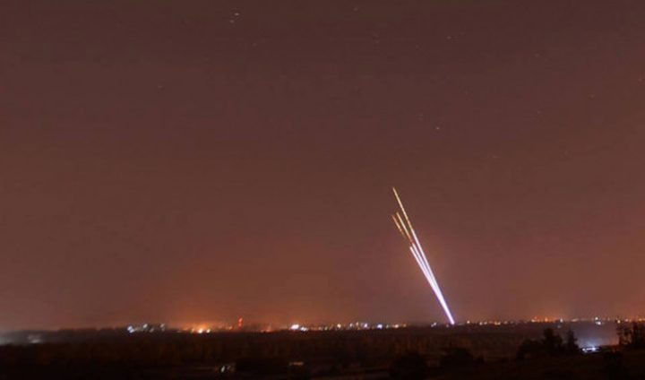 الاحتلال يزعم التصدي لصاروخ أطلق من قطاع غزة