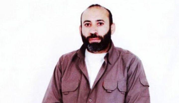 الأسير خليل أبو عرام من الخليل يشرع بإضراب مفتوح عن الطعام