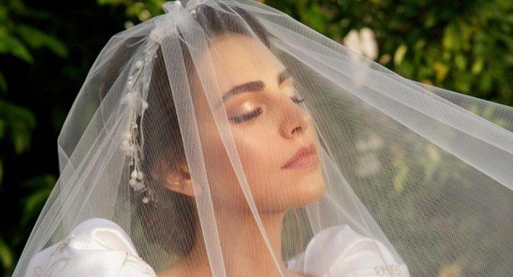 الأمن اللبناني يوقف حفل زفاف ملكة جمال لبنان فاليري أبو شقرا