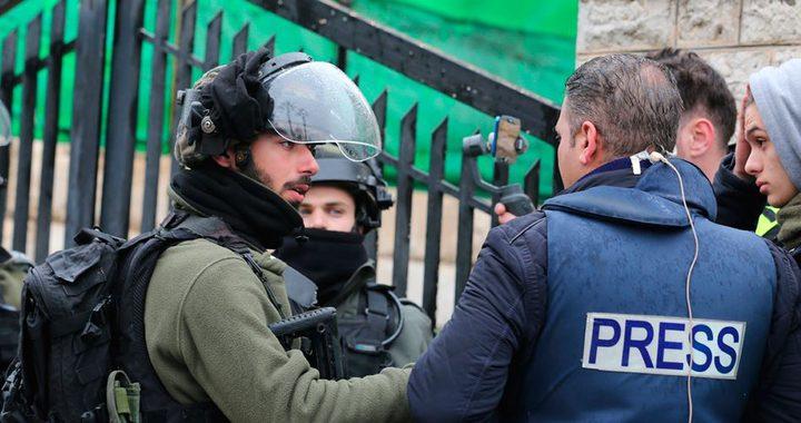الاحتلال ارتكب 28 انتهاكًا بحق الصحفيين الشهر المنصرم