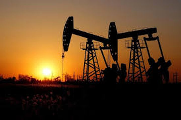 اسعار النفط تهبط تزامناً مع ارتفاع اصابات كورونا