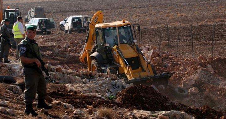 الاحتلال يخطر منشآت بدوية قرب بلدة طمون بالأغوار الشمالية