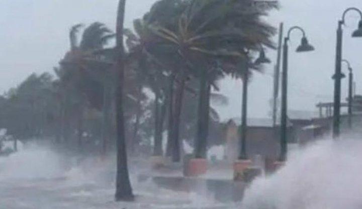 اعصار يضرب نورث كارولاينا الأمريكية وتحذيرات من أمطار غزيرة