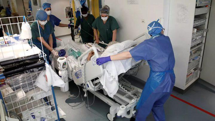 أمريكا تشهد تراجعا في عدد الاصابات بفيروس كورونا