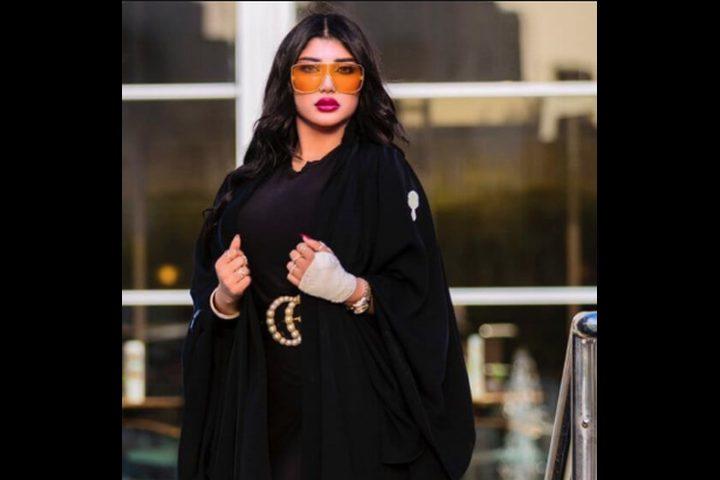 الفاشينيستا الكويتية سارة الكندري تعلن اعتزالها