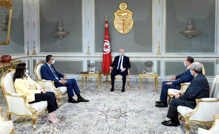 الرئيس التونسي يرسل طائرتين عسكريتين محملتين بالمساعدات إلى لبنان