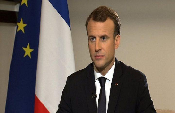 الرئيس الفرنسي يغرد باللغة العربية تضامنا مع لبنان
