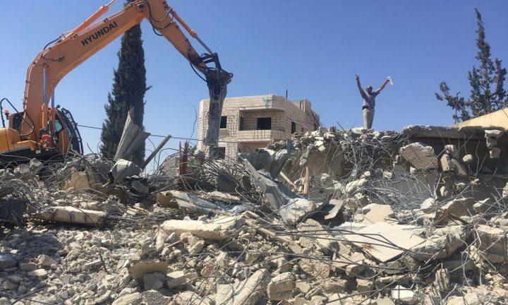 الاحتلال يهدم منزلين بحي عين اللوزة في سلوان