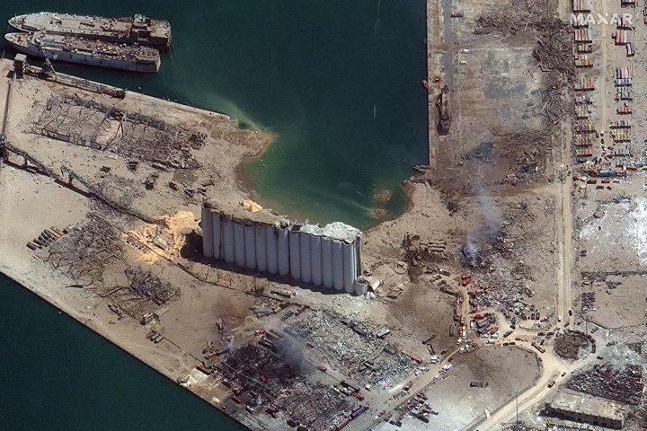 الأقمار الصناعية تظهر مرفأ بيروت قبل وبعد الانفجار