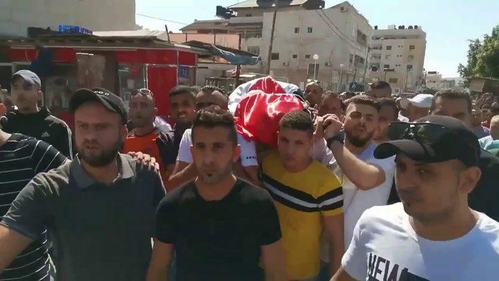 تشيّع جثمان الشهيدة سمودي وتجمع أسر الشهداء يُطالب بتحقيق دولي
