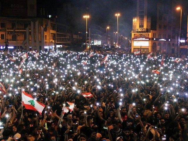 إعلامية لبنانية: الأحزاب الحاكمة أجبرت رئيس الحكومة على الاستقالة
