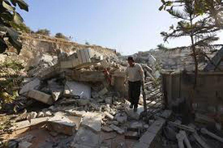 قوات الاحتلال تهدم بناية سكنية في سلوان