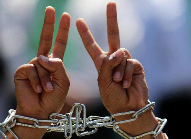 مؤسسات الأسرى: الاحتلال اعتقل 429 مواطنا خلال تموز الماضي