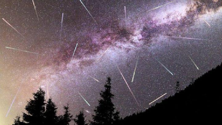 ظاهرة فلكية مثيرة في سماء البلاد الليلة
