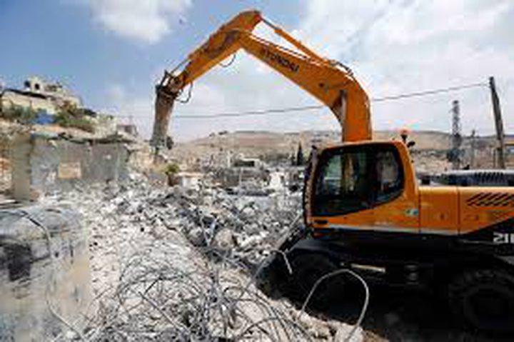 الاحتلال يجبر مواطنا على هدم أجزاء من منزله ذاتيا
