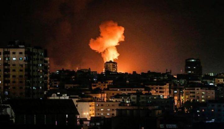 الاحتلال يشن سلسلة غارات على أهداف في قطاع غزة