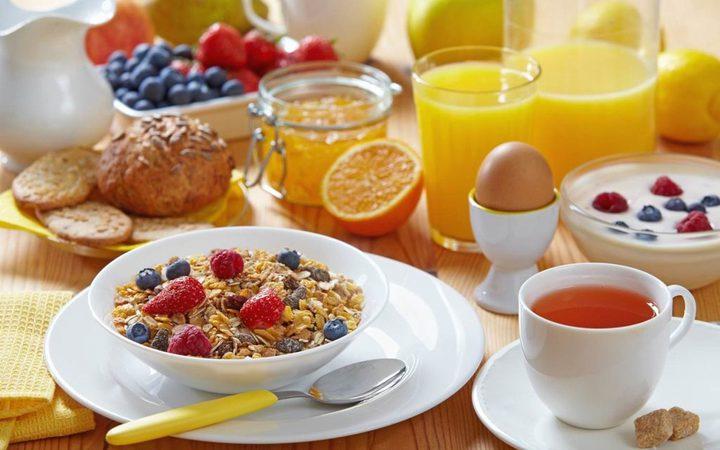 عناصر غذائية هامة لوجبة الإفطار