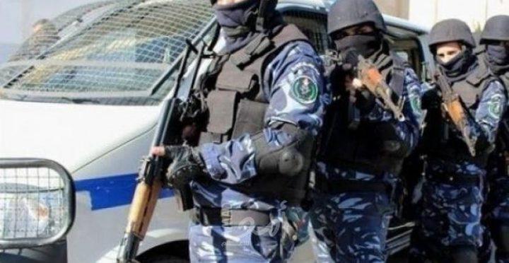 الشرطة تقبض على لصوص لوحات سيارات
