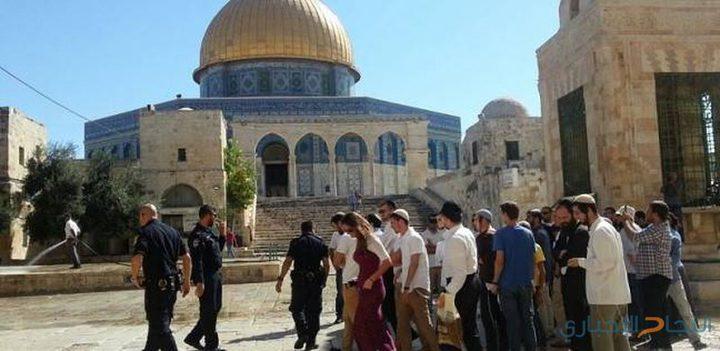"""مستوطنون بقيادة المتطرف """"يهودا غليك"""" يقتحمون المسجد الأقصى"""