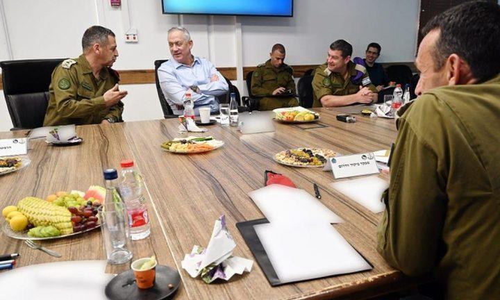"""غانتس يهدد: """"سنرد بقوة إذا لم يعود الهدوء إلى غلاف غزة"""""""