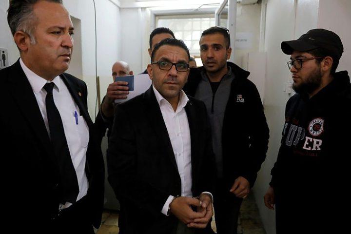مخابرات الاحتلال تستدعي محافظ القدس عدنان غيث اليوم للتحقيق