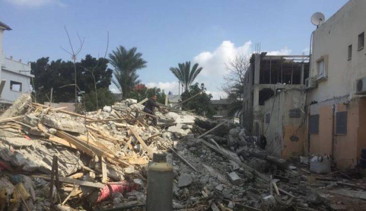 شرطة الاحتلال تهدم منزلا في اللد