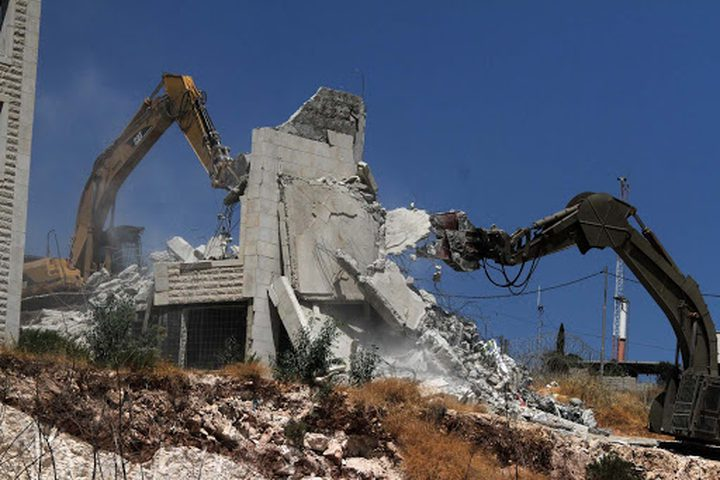 الاحتلال يهدم عمارة سكنية جنوب القدس